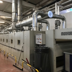 Monforts drying yoc 2004 oil heated 6 chamber Working width 2.40m,